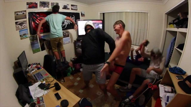 Harlem Shake: A dana do capacete